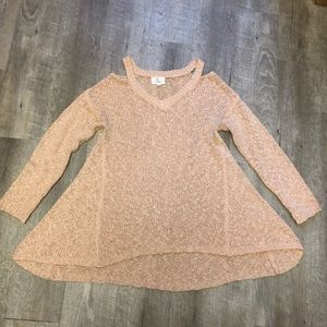 Sweaters - Boutique cold shoulder sweater EUC